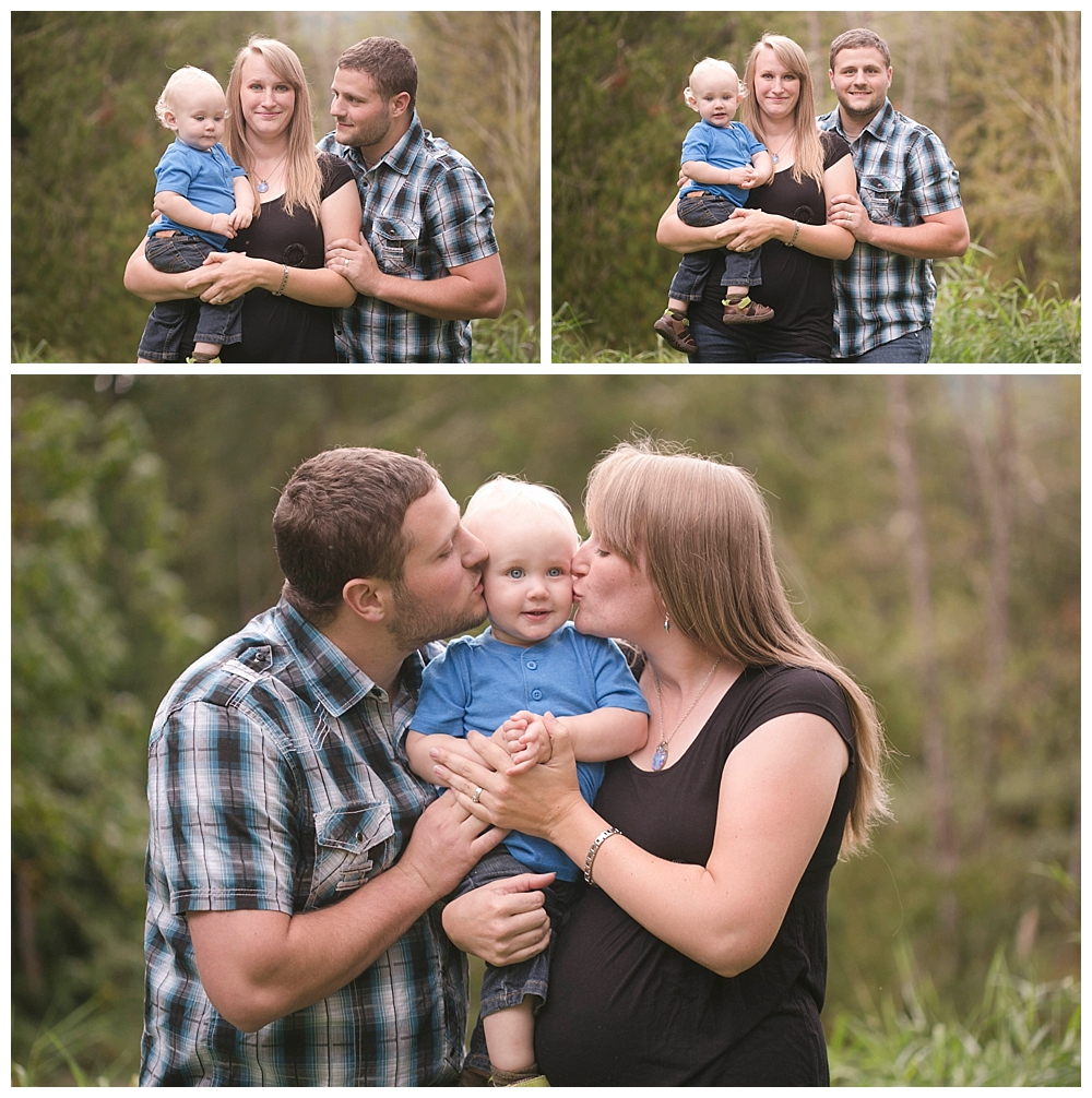 It is time for family  photos! I love watching families grow and I capture them throughout the years. Bellingham family photos.