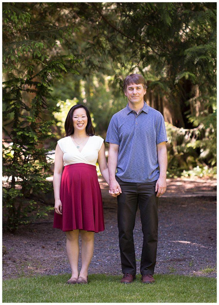 Maternity photos at Glen Echo Garden.