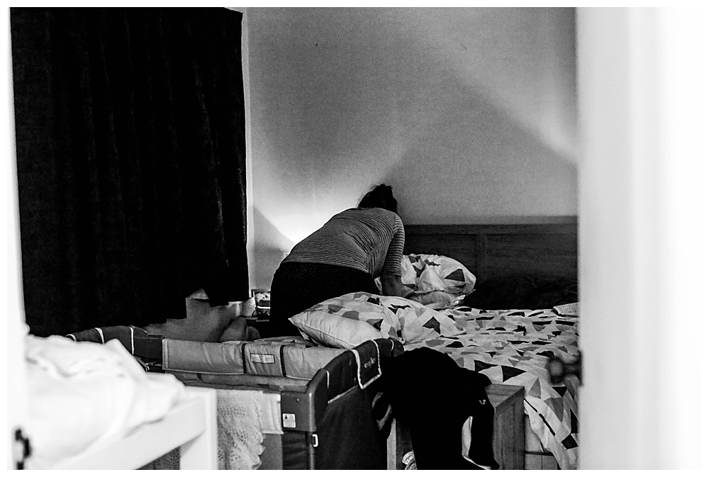 Women laboring alone during homebirth.
