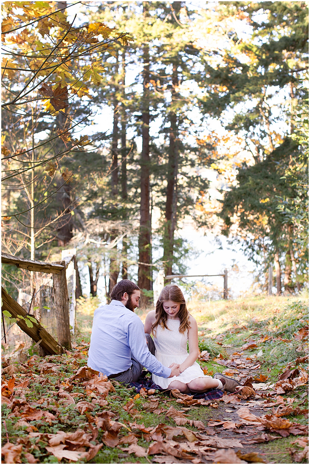 Engagement photos at Woodstock Farm taken by Little Earthling Photography
